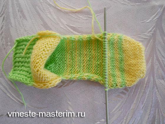 связать носки ребенку спицами