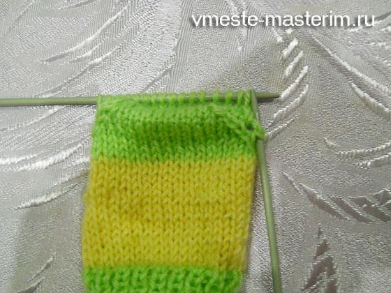 связать простые носки спицами