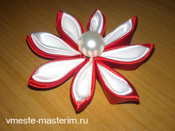 Цветок канзаши из атласных лент своими руками для начинающих