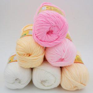 Какую пряжу выбрать для вязания детской одежды?